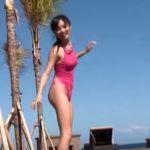 【お宝映像】初期の小島瑠璃子の水着姿がエ□すぎる!これはもうガチで抜けるレベル!