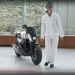 【画像】ホンダが倒れないで自立走行するバイクを公開!映像ヤバイなこれwwwwwwwwwwwwww