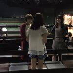 村山彩希と岡田奈々が公演終了後の16期生に指導する