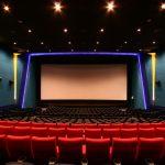 映画をわざわざ映画館で見るやつwwwww