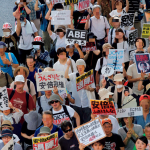 【悲報】内閣支持率は20%台に急落。全国各地で「安倍やめろ!」の大合唱!!