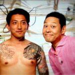 【悲報】東野幸治さん、反社会的勢力と仲睦まじくする写真が流出する