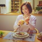 【動画】夫が働く間、妻は贅沢三昧!夫の夕食はカップラーメン・・・ウォータースタンドのCMに批判殺到wwwww