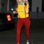 【画像】ハリウッドセレブの女の子が同じスニーカーをボロボロになっても履いてることに気づいた