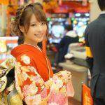 セクシー女優・桃乃木かなさん、元日から着物を着てパチンコ営業 (※画像あり)