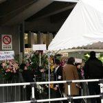 【悲報】冨樫義博さん、仕事せずに欅坂46に花を贈ってしまう