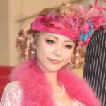 【朗報】平野綾さん、布の少ない恥ずかしい衣装を着させられてしまう