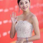 【画像】板野友美、レッドカーペットで華やかなドレス姿を披露した結果www