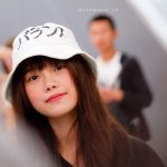BNKミュージックちゃん、変な日本語の帽子で来日