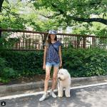 【画像】工藤静香、「それにしても脚が長い!」愛犬との早朝ウォーキング姿が大反響