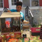 【衝撃】13歳少年が無許可でホットドッグ店を営業した結果wwwwww