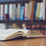 子どもの時に、自宅に紙の本が何冊あったかが一生を左右する:大規模調査──本に囲まれて育った中卒と本がなかった大卒が同じ学力
