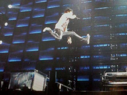 B'z稲葉の跳躍力wwwwwwwwwww(※画像あり)
