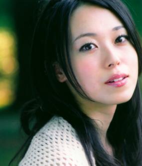 【画像】声優・寿美菜子さん、半分お○ぱいを晒すwwwwwwwww