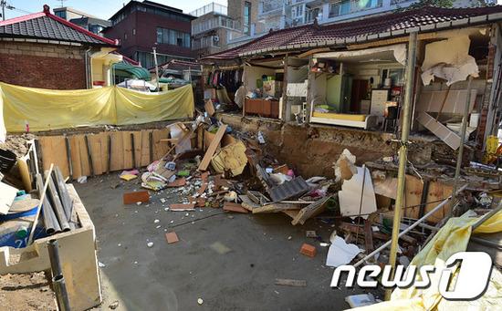 【画像】韓国の崩れた住宅の外壁を御覧くださいwwww