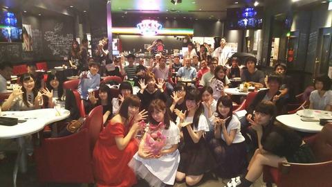 【速報】AKBカフェにサプライズで大物メンバーキタ━━━━(゚∀゚)━━━━!!