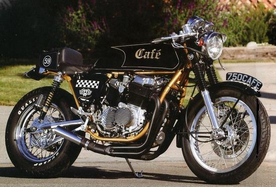 【画像】カフェレーサーってジャンルのバイクかっこいいよなぁwwwwwww