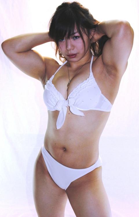 【画像】筋肉がほどよく付いてる女っていいよなWWWWWWWWWW