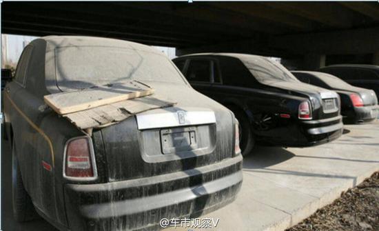 【画像】ロールスロイスやフェラーリなど大量の高級車が野ざらで放置される←これwwwwwwwwwwww