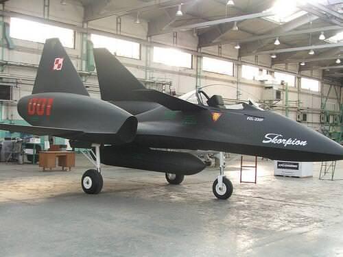 【朗報】ポーランドの試作戦闘機、かっこいい(画像あり)