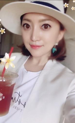 【悲報】加藤茶の嫁の自撮り画像wwwwwwwwww
